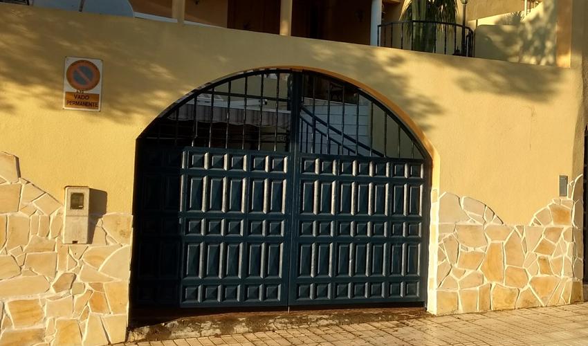 entrance-gates-arched